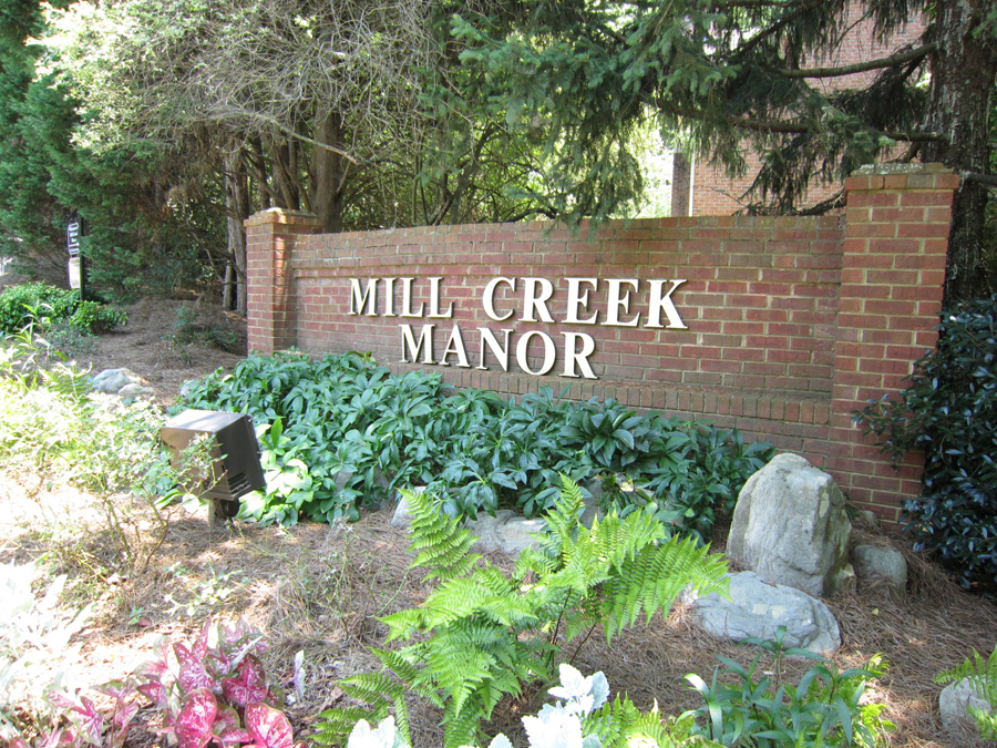 Mill Creek Manor