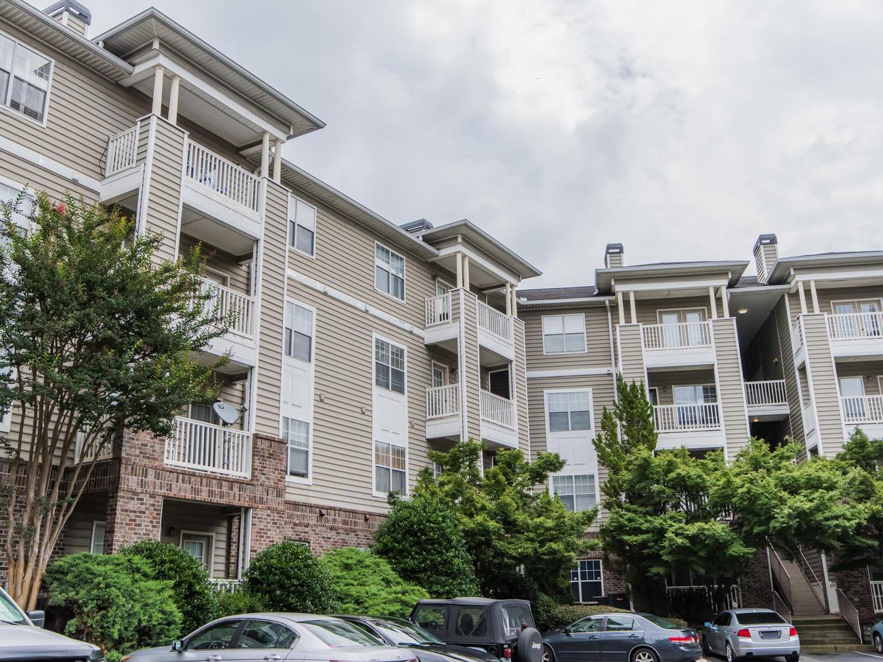 2700 Pine Tree Rd NE #2204 Atlanta GA 30324 – SOLD – $167,500