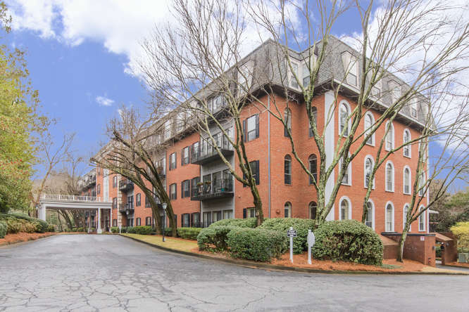2921 Lenox Rd NE #103 Atlanta GA 30324 – Just LIsted – $325,000